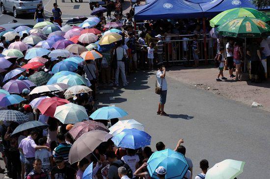 北大清华暑期变 景点 学生受扰表示无奈 组图 贵州频道 人民网