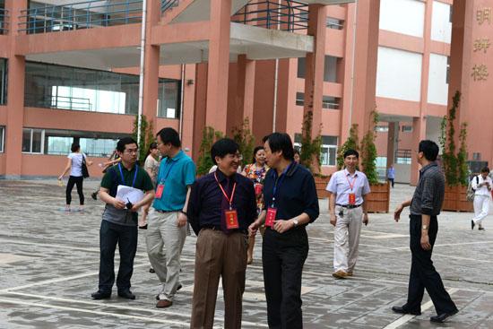 贵州师范学院自考管理:监考人员违规将被打入