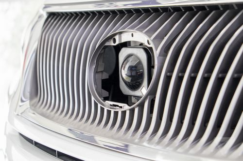 图记谷歌无人驾驶汽车载记者兜风高清图片