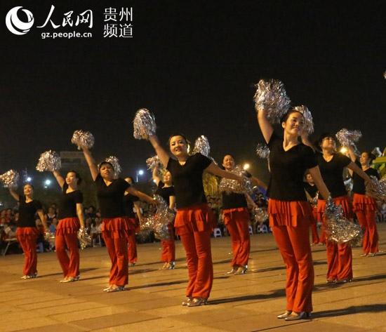 榕江:广场舞文化交流迎