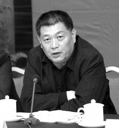 新京报:落马官员作风问题通报与人通奸渐成统