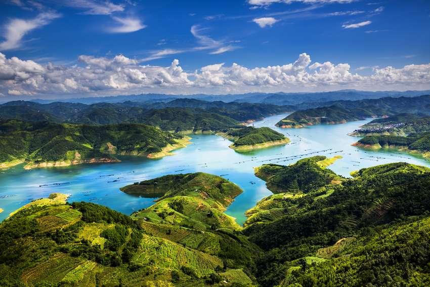 首届国际山地旅游大会直击:兴义美景多