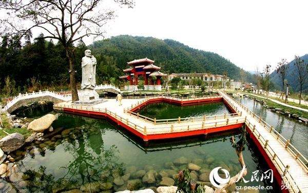 桃花源景区是松桃十大重点建设项目之一,集休闲旅游,健康养生,科考