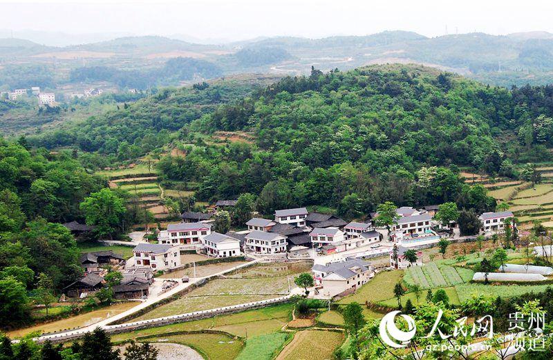 黄家寨乡村旅游以朱砂古镇为依托,以侗家民族风情,自然田园风光,农业