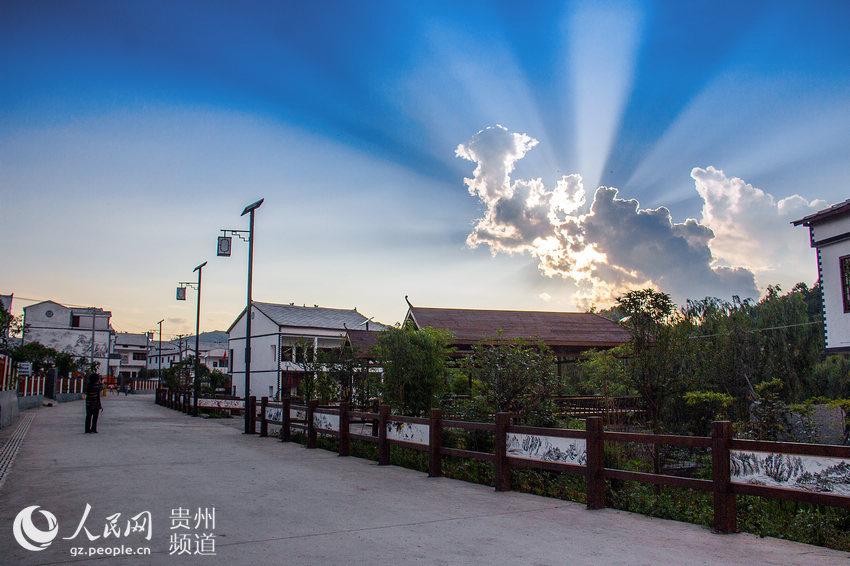 2016贵州十佳美丽乡村评选展示-安顺市西秀区旧州镇浪塘村(080)
