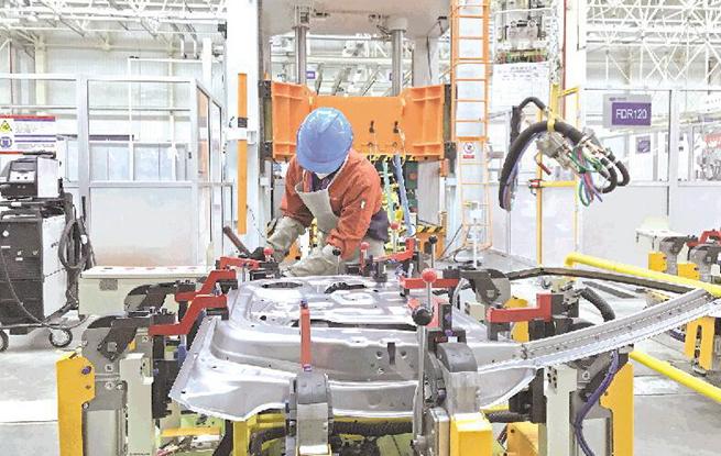 贵州吉利汽车生产线试运行启动