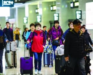 贵阳铁路发送旅客 近30万人次