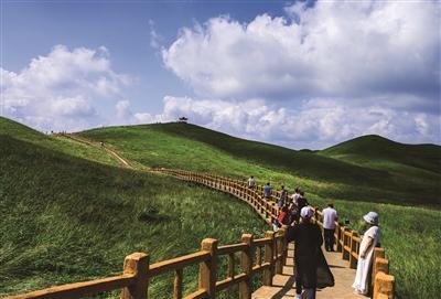 贵州频道 贵州旅游 地州资讯    8月初,国家4a级旅游景区赫章大韭菜坪