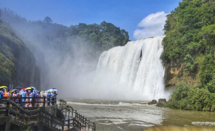 全面提升旅游服务质量国庆长假黄果树景区让游客玩的舒心