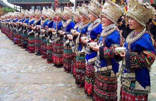 贵州黔东南苗族布依族自治州盛装的苗族姑娘