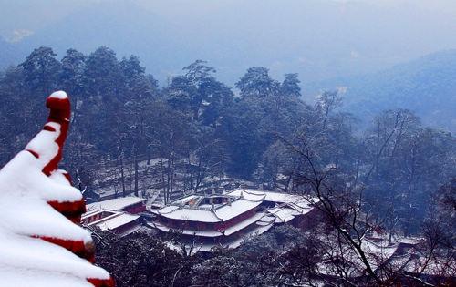 黔灵山公园_贵阳必去的五个景点